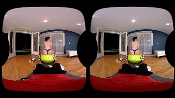 NAUGHTY AMERICA VR fucking in the gym