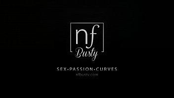 Super Sexy Gina Valentina Seduces Moms Boyfriend - 69VClub.Com