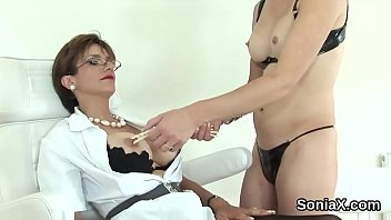 Unfaithful british mature lady sonia showcases her gigantic boobs