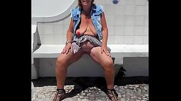 Suzisoumise masturbates in public