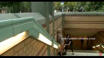 Blonde whore in small dress outdoor sex Vorschaubild
