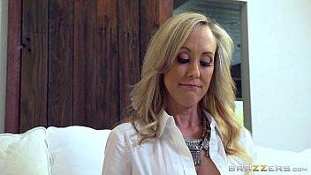 Brazzers - Hot milf Brandi Love gets some young cock porno izle