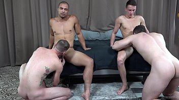 ActiveDuty 4 Beefy Guys Pound Each Other Bareback