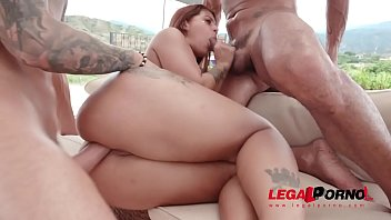 Laura Monroy assfucked & DP'ed by the pool SZ2321