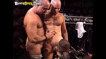 Gay latex leather - Muscle daddies in the leather store