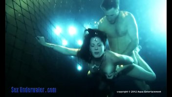 Bella Roxxx & Levi Cash in Sex Underwater: Lounge Lovers