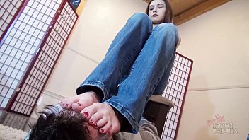 Nikki foot fetish Suffer under nikki next