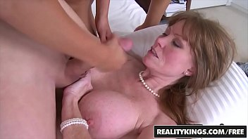 RealityKings - Moms Bang Teens - (Darla Crane, Jeremy, Riley Reid) - How Its Done