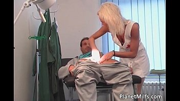 Christopher meloni penis Horny blonde milf gets that wet cunt