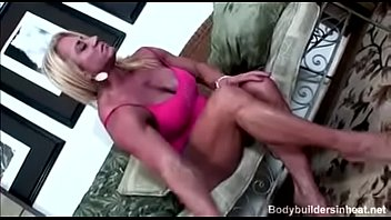 FBB slut Wanda Moore Fucks herself with a vibrator and a Dildo and cums