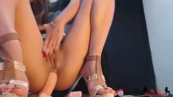 Anal Dildo Hot Teen On Webcam - PussyThrone.com Vorschaubild