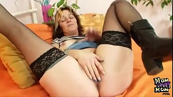 Czech housewife spreads stocking legs to expose her pussy cave