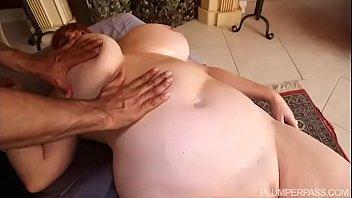 Super Busty BBW MILF Roxee Robinson in Her First Hardcore Scene