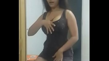 Sexy hot desi girl dancing with big boobs and round ass juicypussy69.blogspot.in