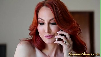 Streaming Video Redhead stepmom fingered by her stepdaughter - XLXX.video