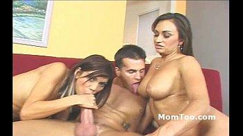 Busty slutty mom and skinny daughter take turns sucking big dick