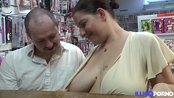 Fiby milf à gros seins enculée devant son mari