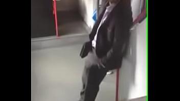 Excitado no metrô