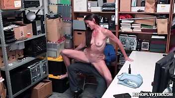 Sexy milf gets fucked like a spreadeagle as she spread her legs!
