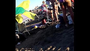 Culos en la playa