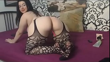 Short and thick woman with huge ass