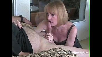 Melanie wills porn - Melanie want a cum splash over her mouth