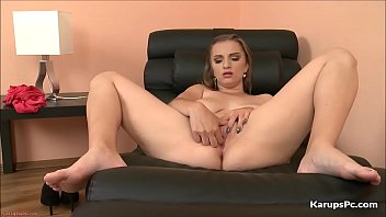 Pc sex tv - Hot pussy suzie hunton fingers her self