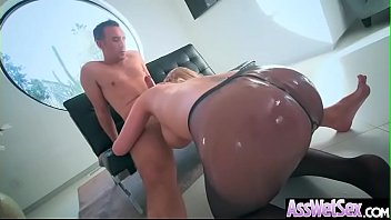 Big Butt Girl (Brooklyn Chase) Get Oiled And Deep Anal Nailed On Cam video-13 preview image