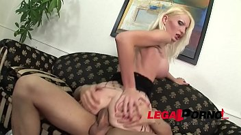 Anal milk play and Deep ass Fuck with Super Milf Jenny Simpson Vorschaubild