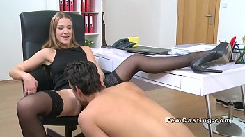 Tigi hardcore smooth operator Female agent in stockings gets oral