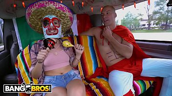 BANGBROS - Join Natalie Brooks and Sean Lawless For Some Cinco De Mayo Fun! Vorschaubild