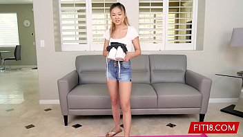 FIT18 - Lulu Chu - Casting Tiny Chinese Girl u. Feet Tall