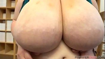 Busty BBW MILF Alyson Galen Shows OFF H Cup Tits - 69VClub.Com