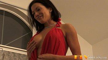 Ileana ftv anal - Milf stunner toys her ass