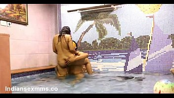 Couples Doing Sex in Pool - doing desi