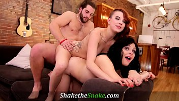 Streaming Video Shake The Snake - Red Head and Brunette Babes in First Ever Threesome - XLXX.video