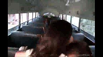 la estudiante y el chófer del bus pornhub video
