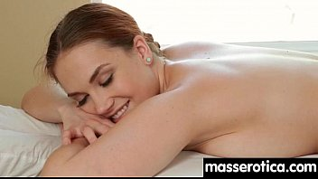 watersports xxx: Massage therapist giving her patient some unknowing love 24 thumbnail