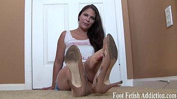 You like feet dont you