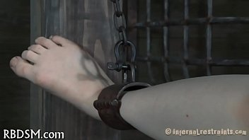 Clip free fuck machine video - Slave gets perverted drilling