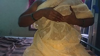 Indian young boy mature lady Indian bhabhi hot show will help to make u cum