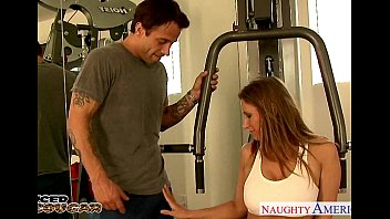 Naughty gym class porn - Busty cougar devon lee fuck in the gym