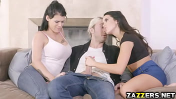 Chad Alva eating Peta Jensens hot thick pussy