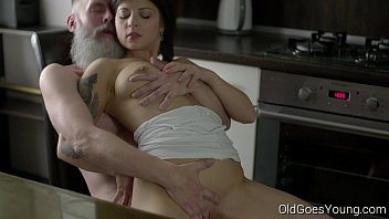 Mans head goes in vagina Old goes young - sexy brunette gerra and her man