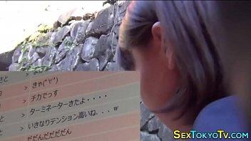 คลิปญี่ปุ่นนัดเด็กนักเรียนสาวออกมาจากโรงเรียนแล้วเย็ดเธอ