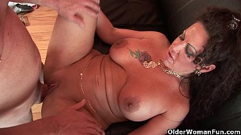 Lauren a pretty statuesque busty bbw Mom gets fucked by thick cock
