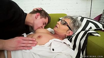Mature lick pussy - Lusty grandma vs young big cock - jessye, oliver