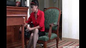 MILF Allison Squirting Temp Girl
