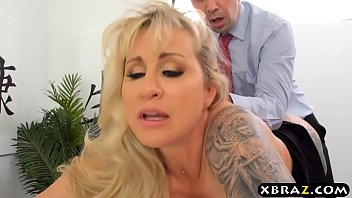 MILF boss wants big dick employee to fuck her asshole