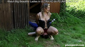 Facesitting on slave gardener with chubby euro blonde